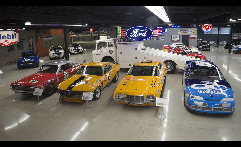 3 Dog Garage