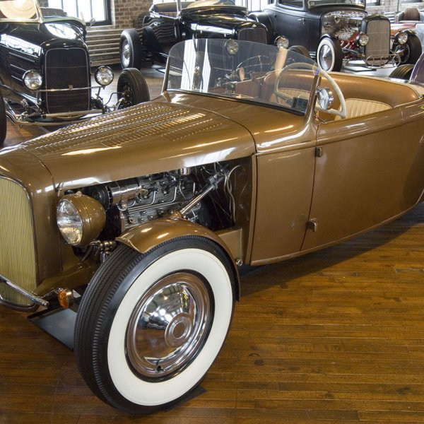 1932 Ford Roadster - Golden Rod
