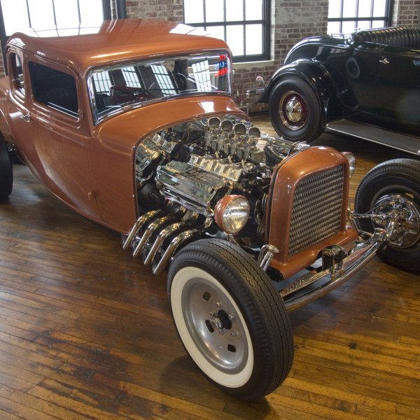 1932 Ford 5-Window Coupe - Avenger
